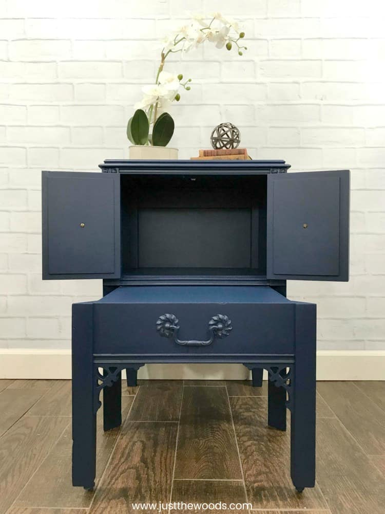 chalk painted table, blue chalk paint, bunker hill blue, painted furniture no brush strokes, best paint sprayer, open doors on blue painted table