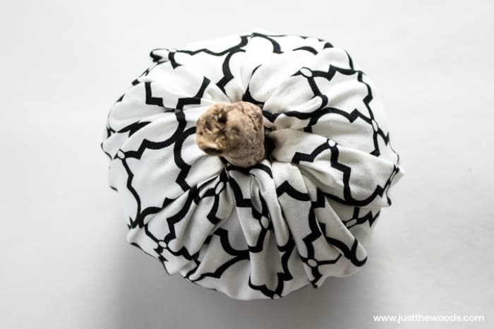 things to make with scrap fabric, scrap fabric pumpkins,