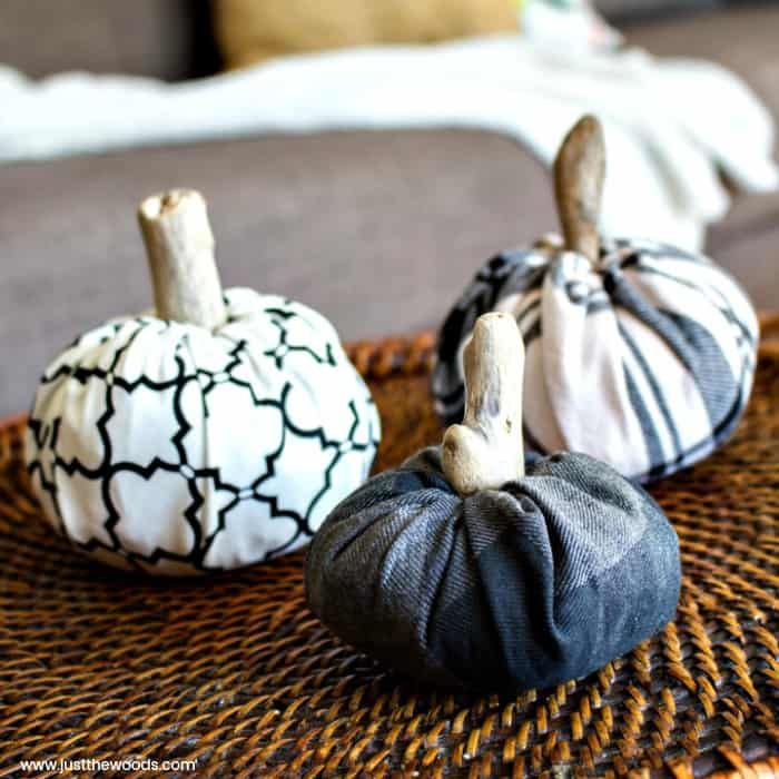 easy fall decor, autumn decor, fabric pumpkins, diy pumpkin decor