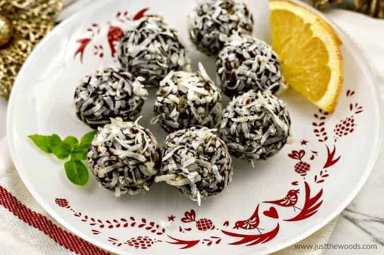 chocolate truffles paleo, healthy truffles, truffles with dates, truffles with coconut