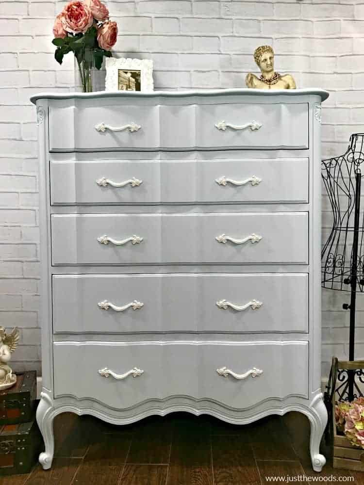 painted furniture ideas, painted dresser ideas, blue and white painted furniture, shabby chic painted dresser
