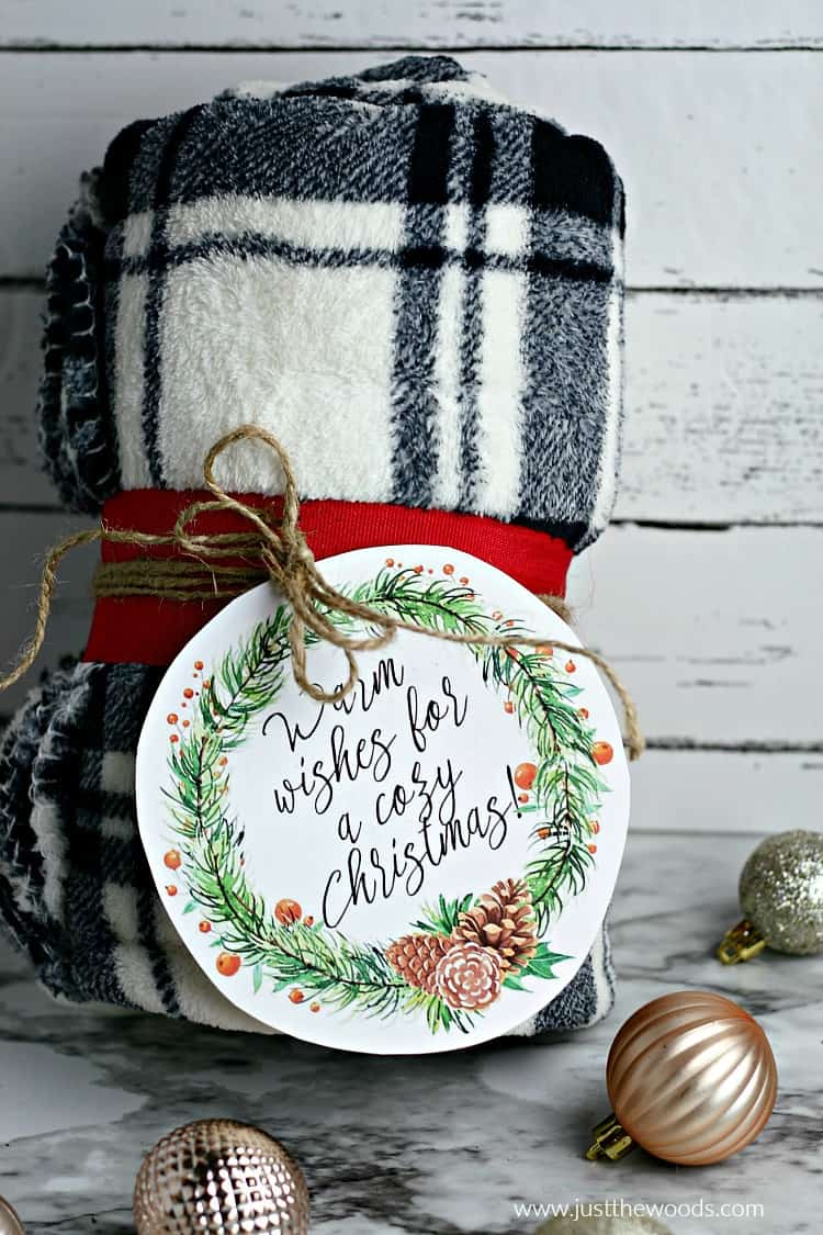 last minute Christmas gift ideas, blanket gift, free printable, christmas gift ideas