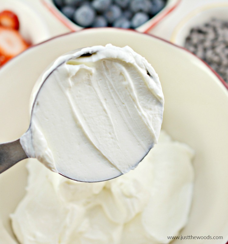 greek yogurt dessert, greek yogurt recipes, recipes with greek yogurt, yogurt bark