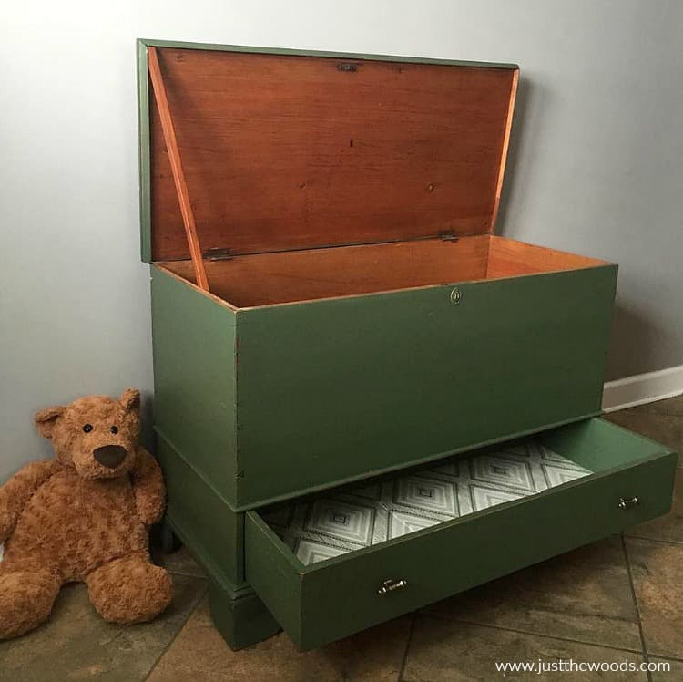 green furniture, green toybox, green painted furniture, painted green furniture, green painted toy box