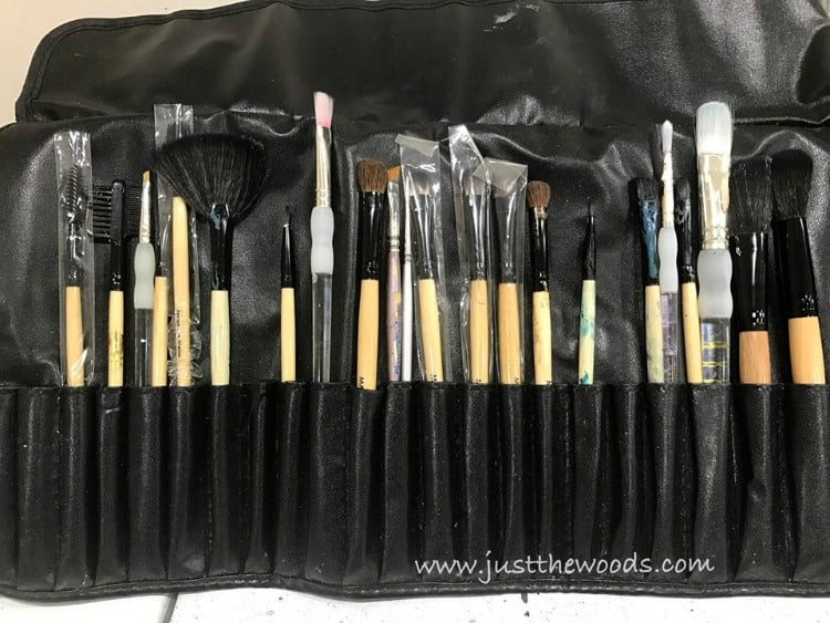 small paint brushes, artist brushes, touch up paint brushes, makeup brushes for painting furniture