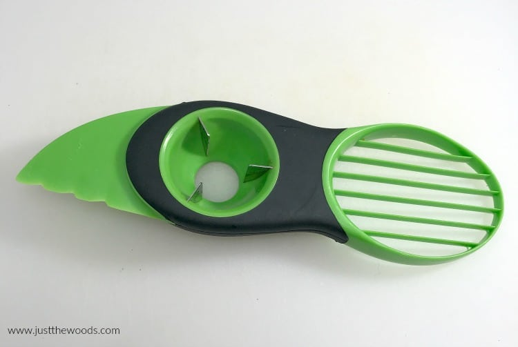 avocado slicer, how to cut an avocado