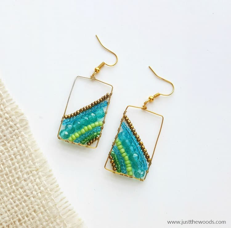 diy earrings, handmade earrings with gold frame and blue beads