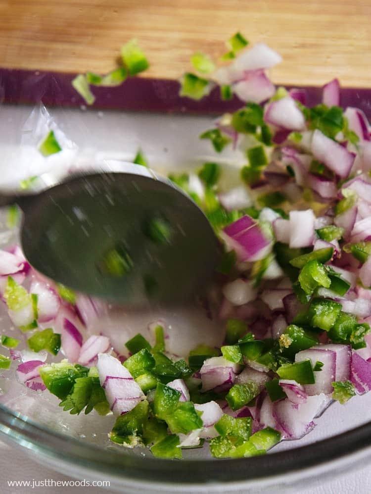 how to make guacamole, healthy guacamole, easy guac recipe