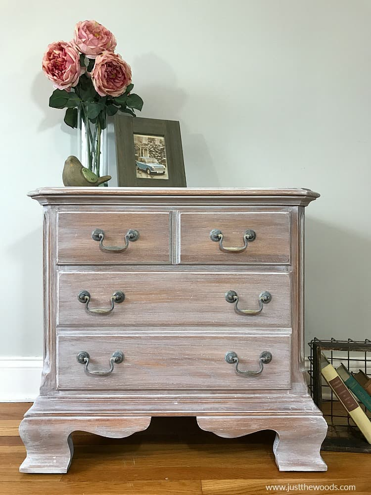 chest of drawers, whitewash furniture with paint