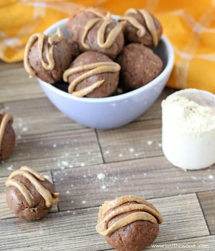 peanut butter energy balls, no bake peanut butter balls, vegan peanut butter balls