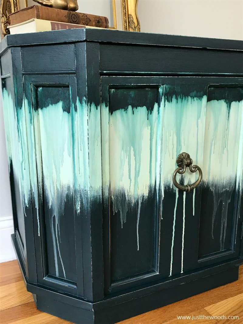 close up painted furniture ideas with drippy paint effect, tie dye look on furniture with paint