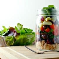 How to Make an Easy Loaded Tuna Mason Jar Salad