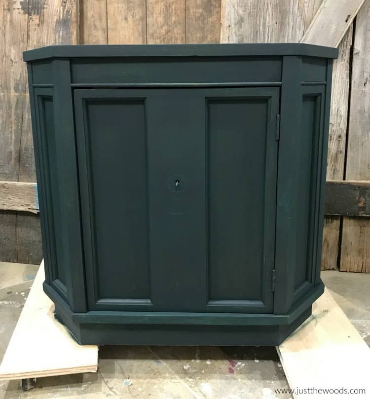 dark green painted furniture, green painted cabinet, furniture painted with chalk paint