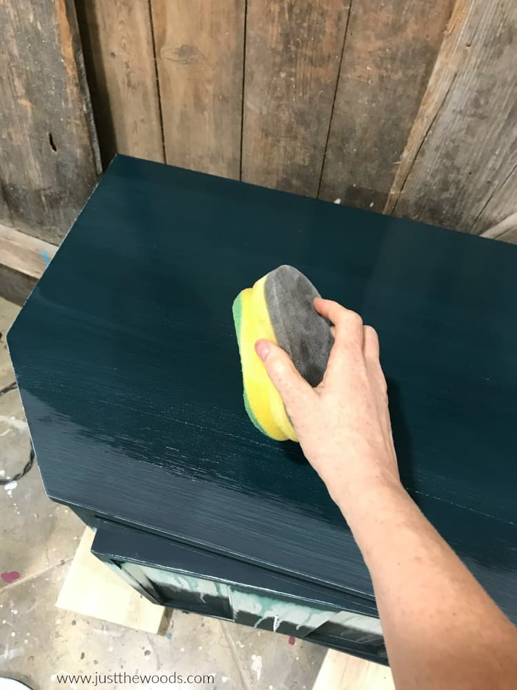 sealing painted furniture with sponge