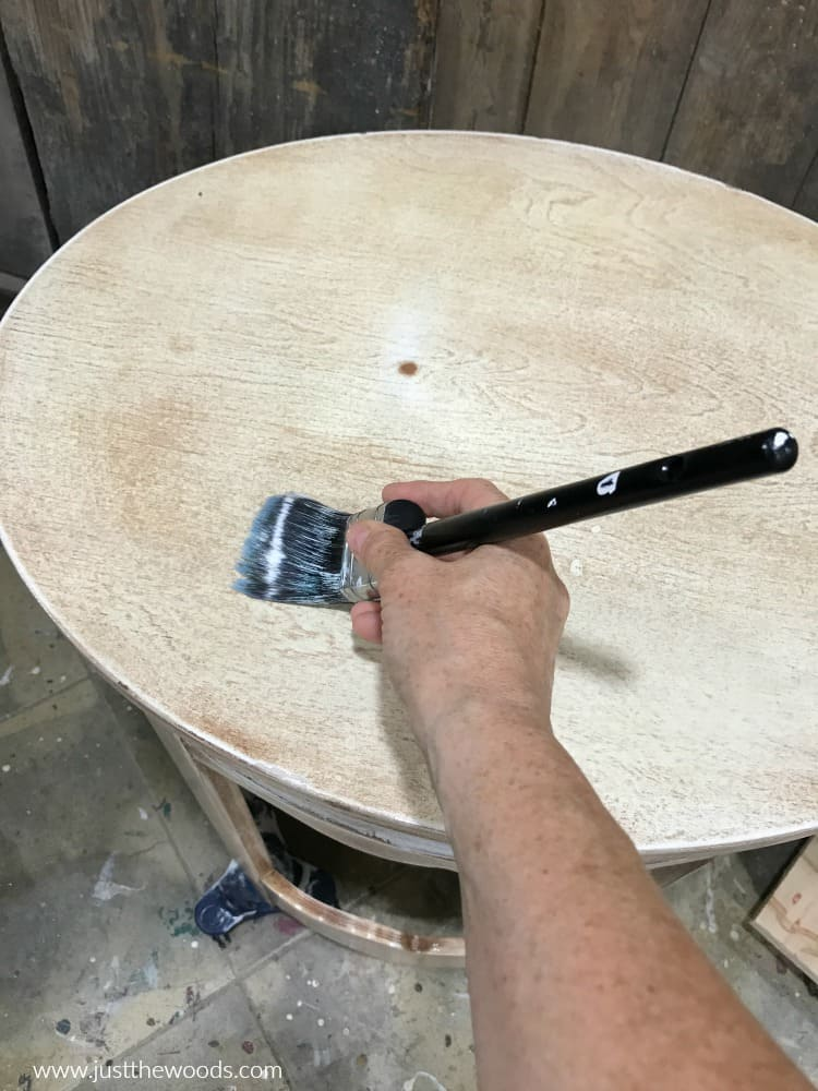 use cling on paintbrush to apply clear primer to furniture