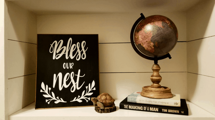 The Easiest Way to Make a DIY Chalkboard Sign!