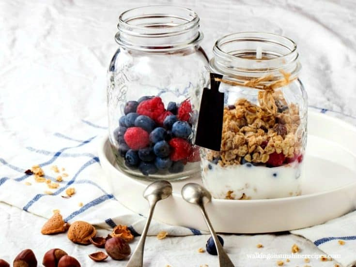 Breakfast Parfaits with Fruit, Yogurt and Granola