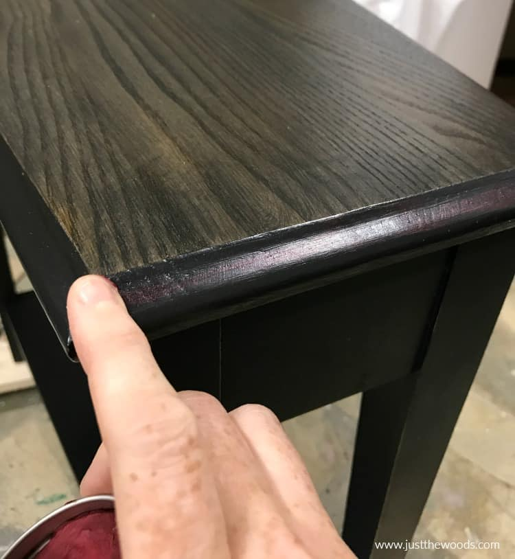 apply gilding wax to edges of painted table