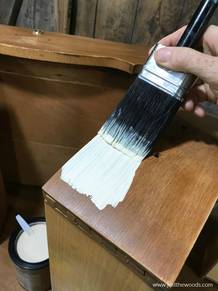 apply primer to wood furniture, brush on primer
