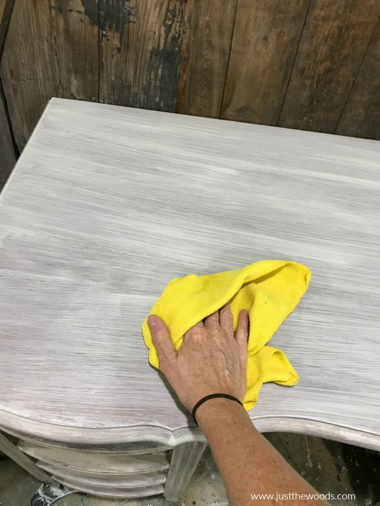 lint free cloth to wipe dust when priming furniture for paint