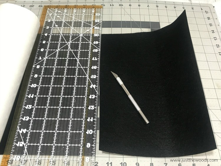 cut felt liner to size on fiskars cutting mat