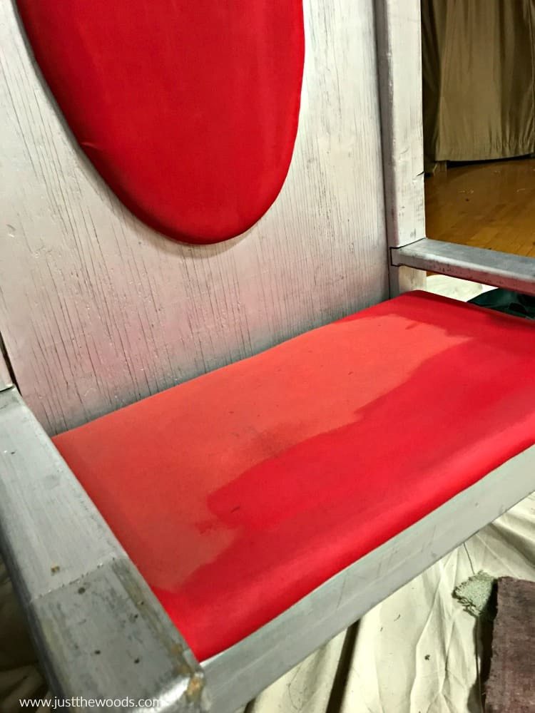 how to paint a fabric chair, red fabric paint on chair makeover
