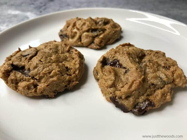 paleo chocolate chip cookies, gluten free cookies, clean eating cookies