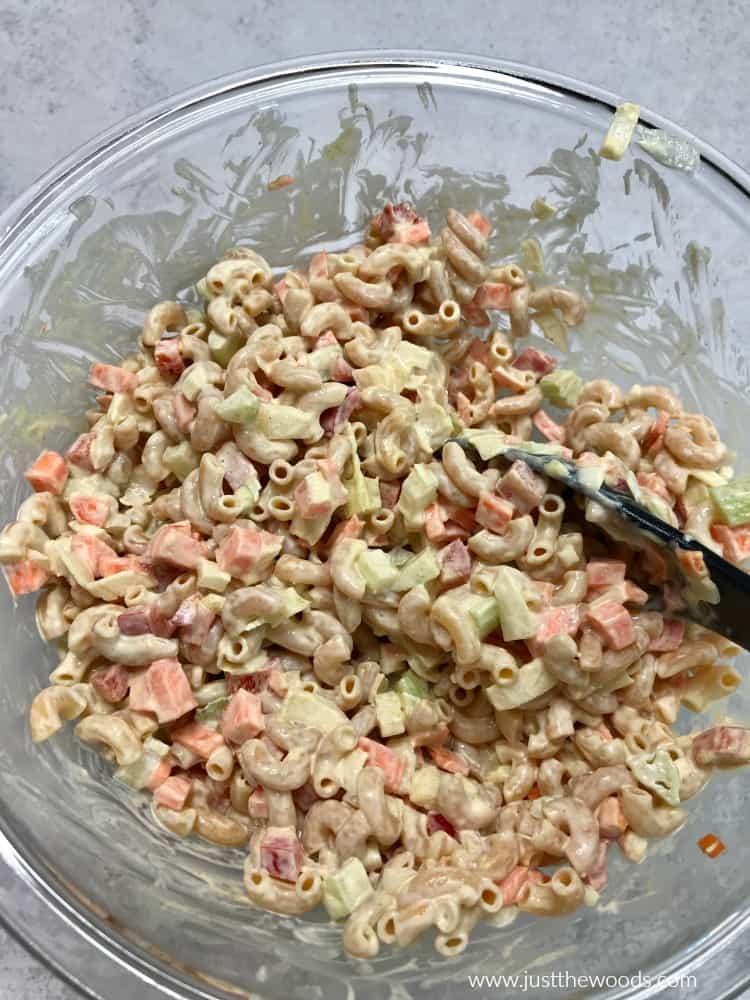 cold macaroni salad with mayo