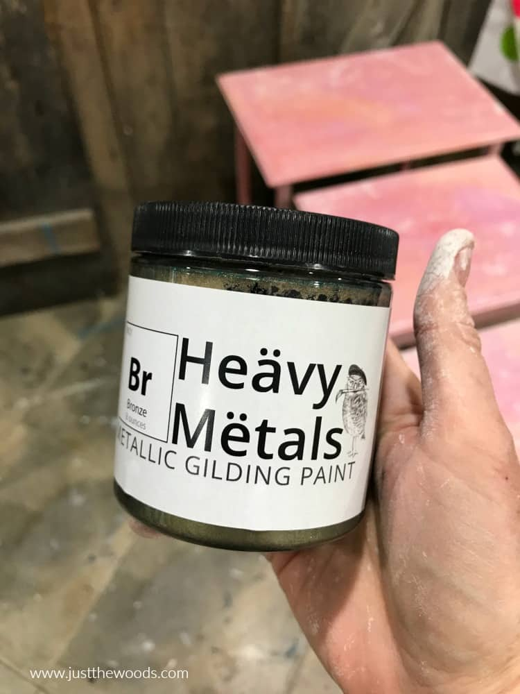heavy metals wise owl bronze metallic gilding paint in small container