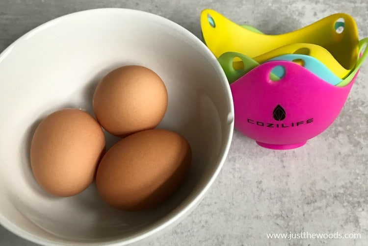 eggs in a bowl, silicone egg poacher cups