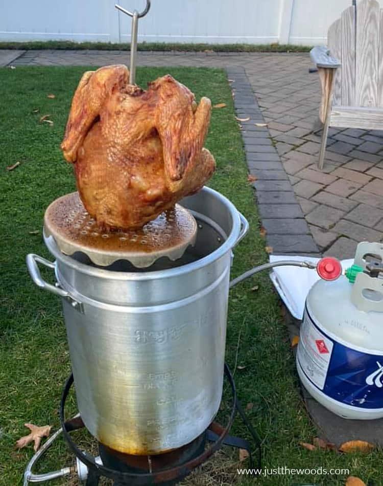 can I make bone broth with deep fried turkey