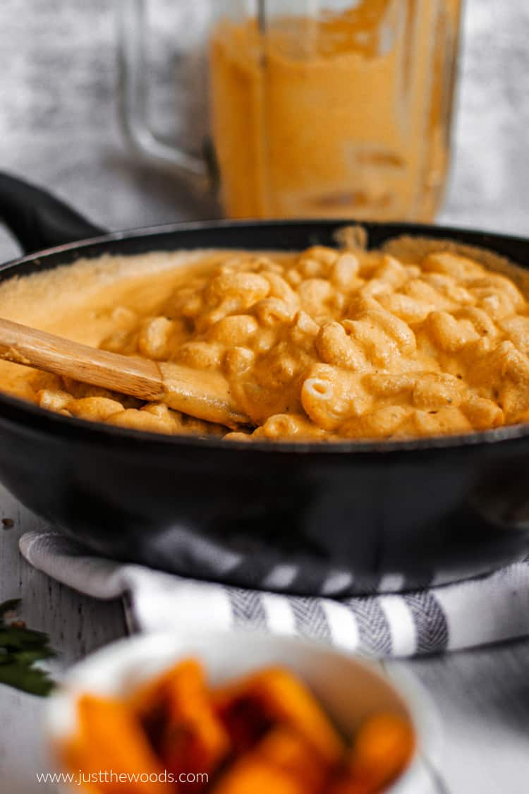 easy dairy free Mac and cheese with cashews and nutritional yeast in skillet
